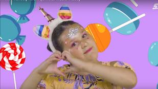 Bangó Margit 7 éves dédunokája is mulatósnak állt