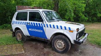 Árulják az ásotthalmi mezőőrök autóját, de a kilométeróra régen sokkal többet mutatott