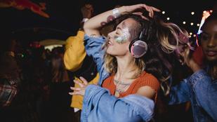 Így hozd le a fesztiválszezont halláskárosodás nélkül