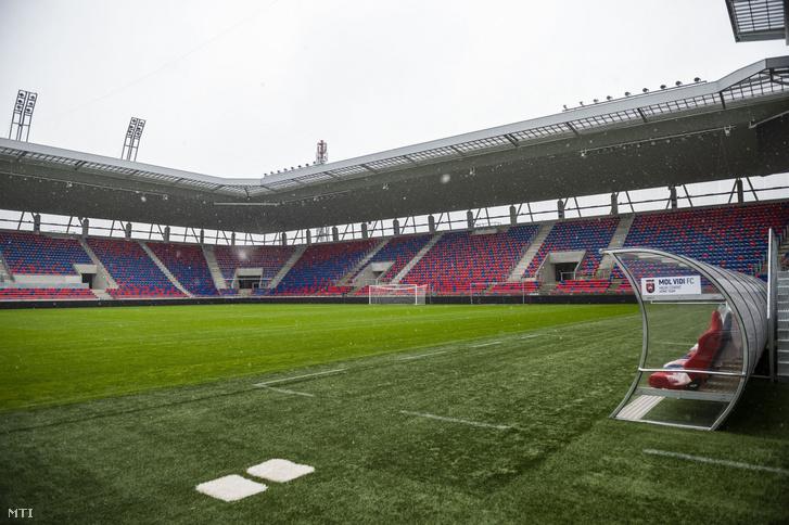 A 14.200 ember befogadására alkalmas stadion 14 milliárd forintba került