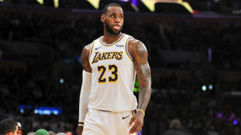 Mezszámot vált az NBA legnagyobb sztárja