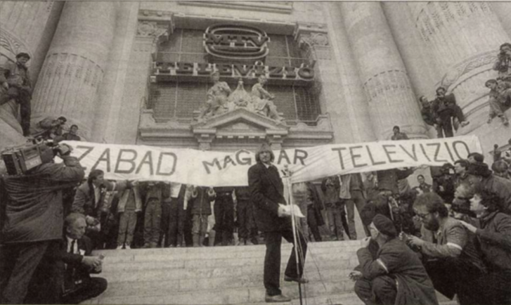 György Cserhalmi speaking at the demonstration on Szabadság square on 15 March 1989.