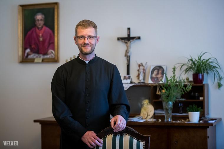 Hodász András atya