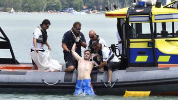 Egy nap alatt tíz embert kellett kimenteni a Balatonból