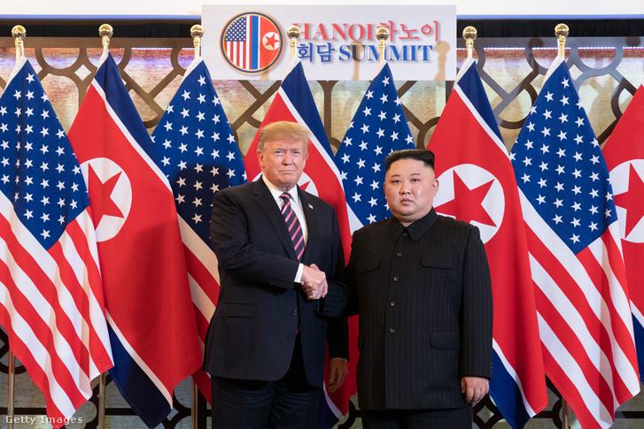 Donald Trump és Kim Dzsongun Hanoiban 2019. február 27-én.