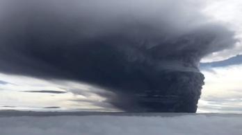 Tizenötezer embernek kellett elhagynia az otthonát vulkánkitörések miatt Pápua Új-Guineában
