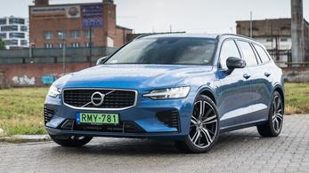 Volvo V60 T8  R-Design – 2019.