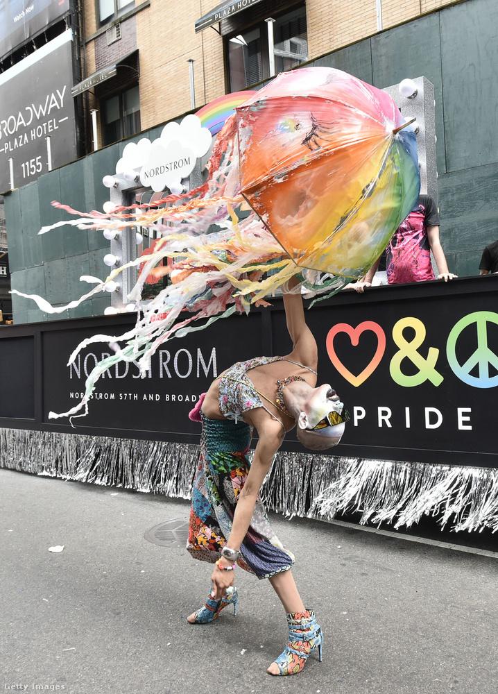 A RuPaul's Drag Race idei évdának frissen megkoronázott győztese, Yvie Oddly is ott volt természetesen a WorldPride-on.
