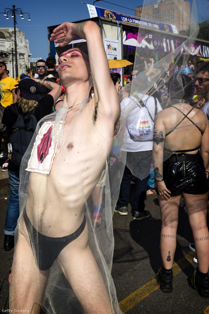 Merthogy szombaton Milánóban is volt egy pride, ahogy nézzük, ott se volt éppen hűvös idő.