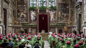 Vatikán: Törvény sem kötelezhet a gyónási titoktartás megtörésére