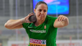 Félelmetes erőben van Márton Anita, 205 kilóval guggolt