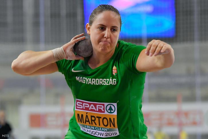 Márton Anita a női súlylökés selejtezőjében a glasgow-i fedettpályás atlétikai Európa-bajnokságon az Emirates Arénában 2019. március 1-jén.
