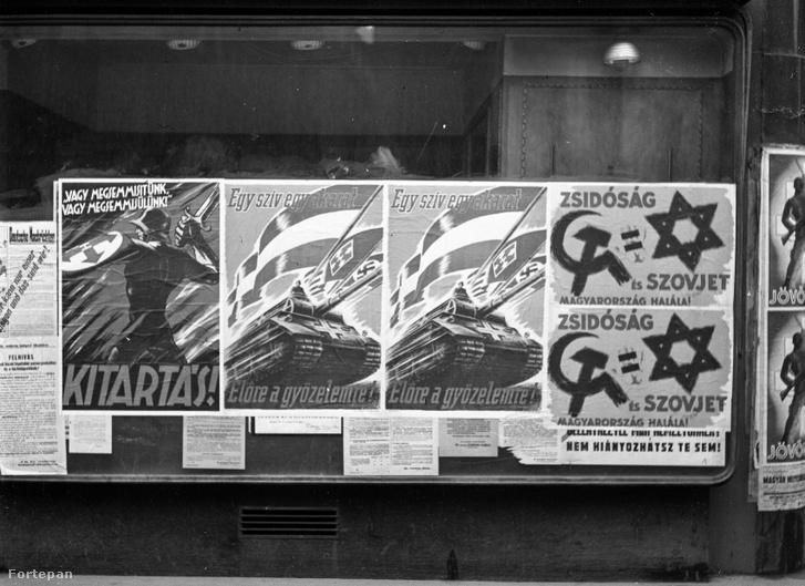 Nyilas mozgalmi plakátok a budapesti utcán 1944-ből