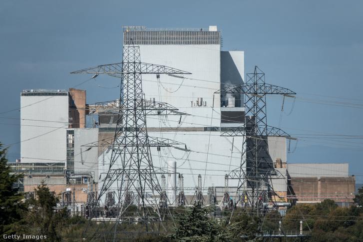 A Hinkley Point B atomerőmű, e mellett épül a Hinkley Point C. (A Hinkley Point A-t már lekapcsolták.)