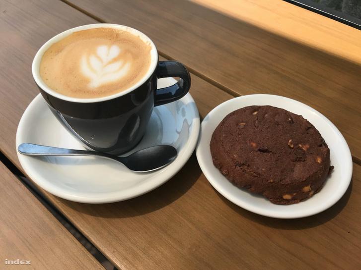 Kávé és süti a Rustyban
