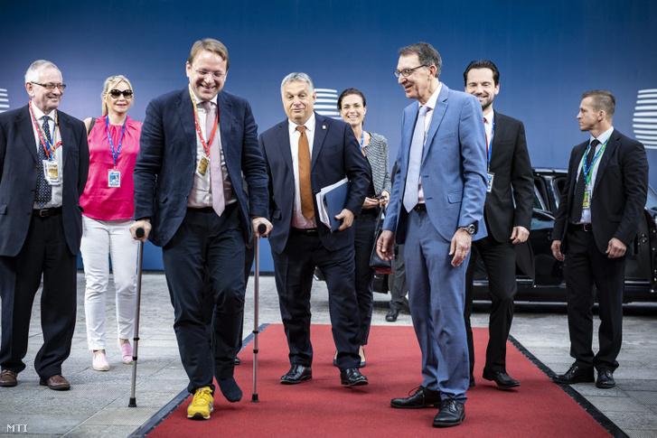 Orbán Viktor és a magyar delegáció érkezik az Európai Tanács ülésének keddi napjára 2019. július 2-án