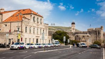 Hamarosan csak elektromos taxik lehetnek Dubrovnikban