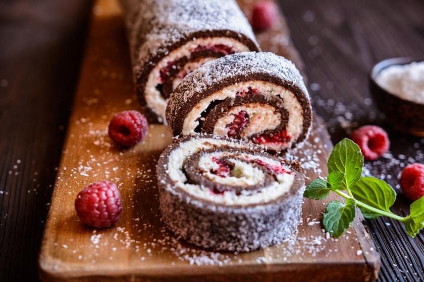 Mascarponés kókusztekercs sütés nélkül: a málna még könnyedebbé teszi