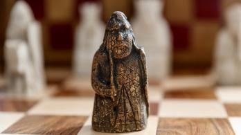 Több százmilliót fizettek egy darab sakkfiguráért