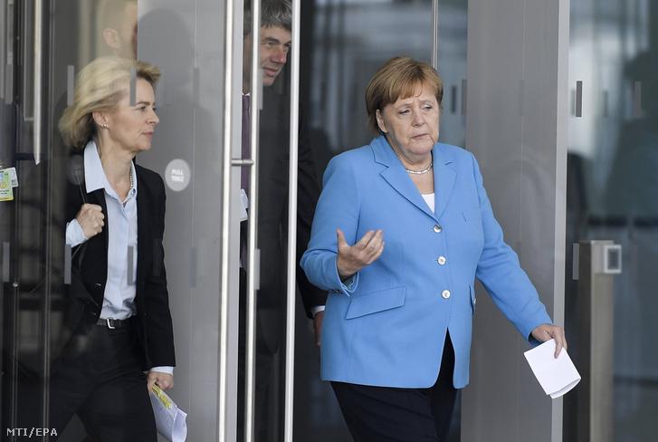 Ursula von der Leyen és Angela Merkel