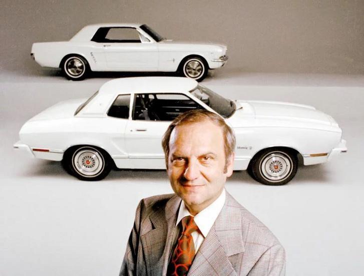 A Ford elnöke Lee Iacocca rendelte meg a kisebb, üzemanyag takarékos Ford Mustangot 1974-ben a Ford Maverick alapján, de végül a Pinto alapjaira épült.