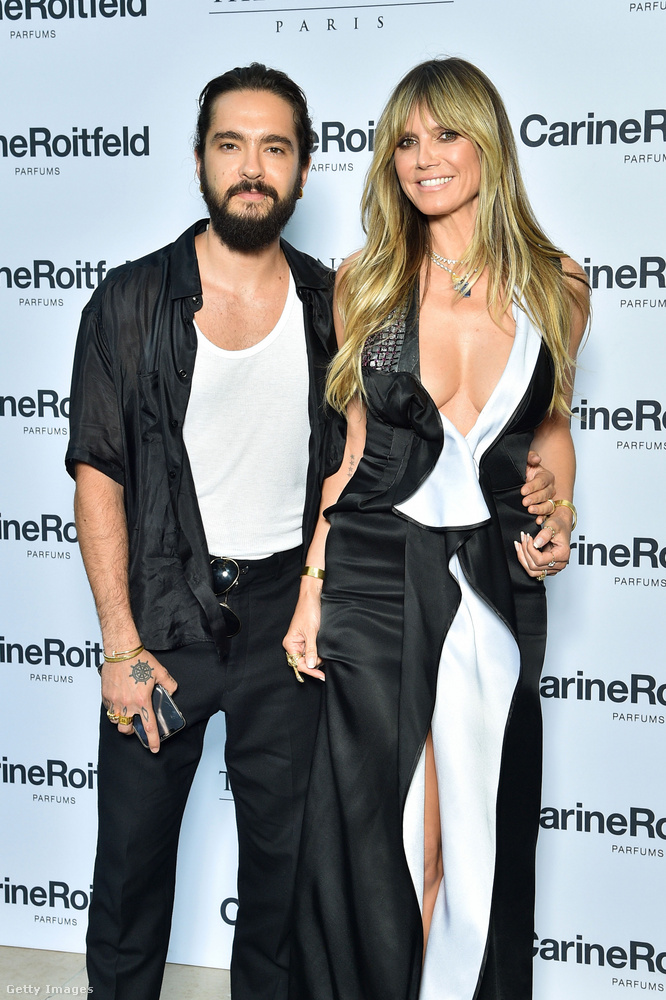 Sőt, elég látványosan össze is voltak öltözve Tom Kaulitzcal, igaz, a férfinak kevésbé nagyvonalú a dekoltázsa.
