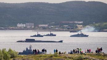 Vannak túlélői az orosz tengeralattjáró-tűznek, de a Kreml nem mond többet