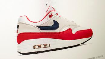 A Nike visszahívja az amerikaiakat egymásnak ugrasztó cipőt
