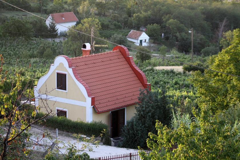 20 percre van a Balatontól, mégis kevesen ismerik: Zalahaláp igazi kis gyönyörűség