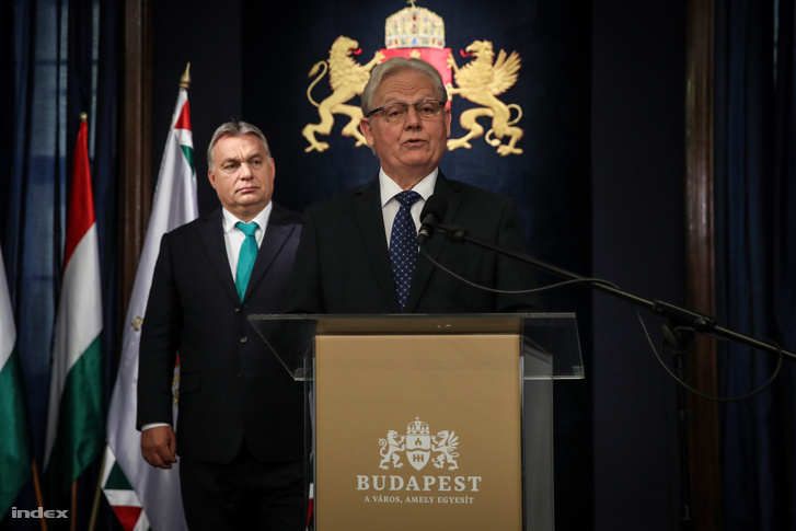 Viktor Orbán (background) and István Tarlós (speaking) at a press conference in Budapest on October 10, 2018