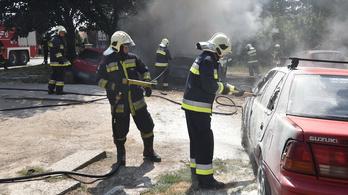 Kigyulladt egy autó egy szombathelyi parkolóban, három másik kocsi is megégett
