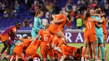 Kiszenvedték a döntőbe jutást a hollandok a női futball-vb-n
