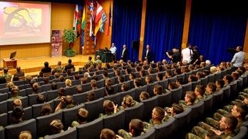 HVG: Szexuális zaklatás miatt nyomoznak egy katonai középiskolában