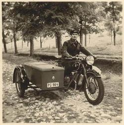 BMW R 71-es oldalkocsis motorkerékpár zárt oldalkocsi felépítménnyel, 1938-1941