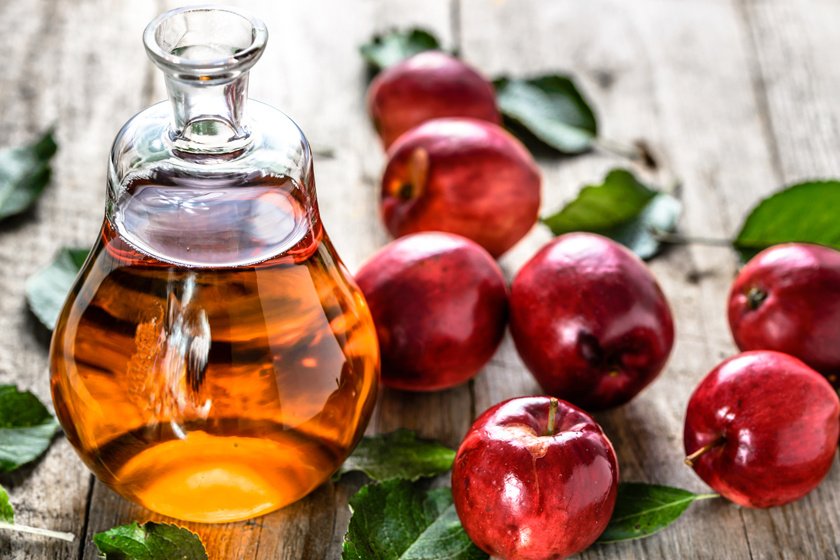 Az almaecet vízhajtó és étvágycsökkentő hatású, serkenti az anyagcserét, javítja az emésztést, és gátolja a zsírok lerakódását, segíti lebontásukat.