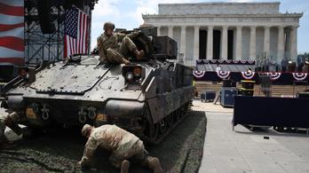 Trump életre szóló katonai parádét ígér a nemzeti ünnepre