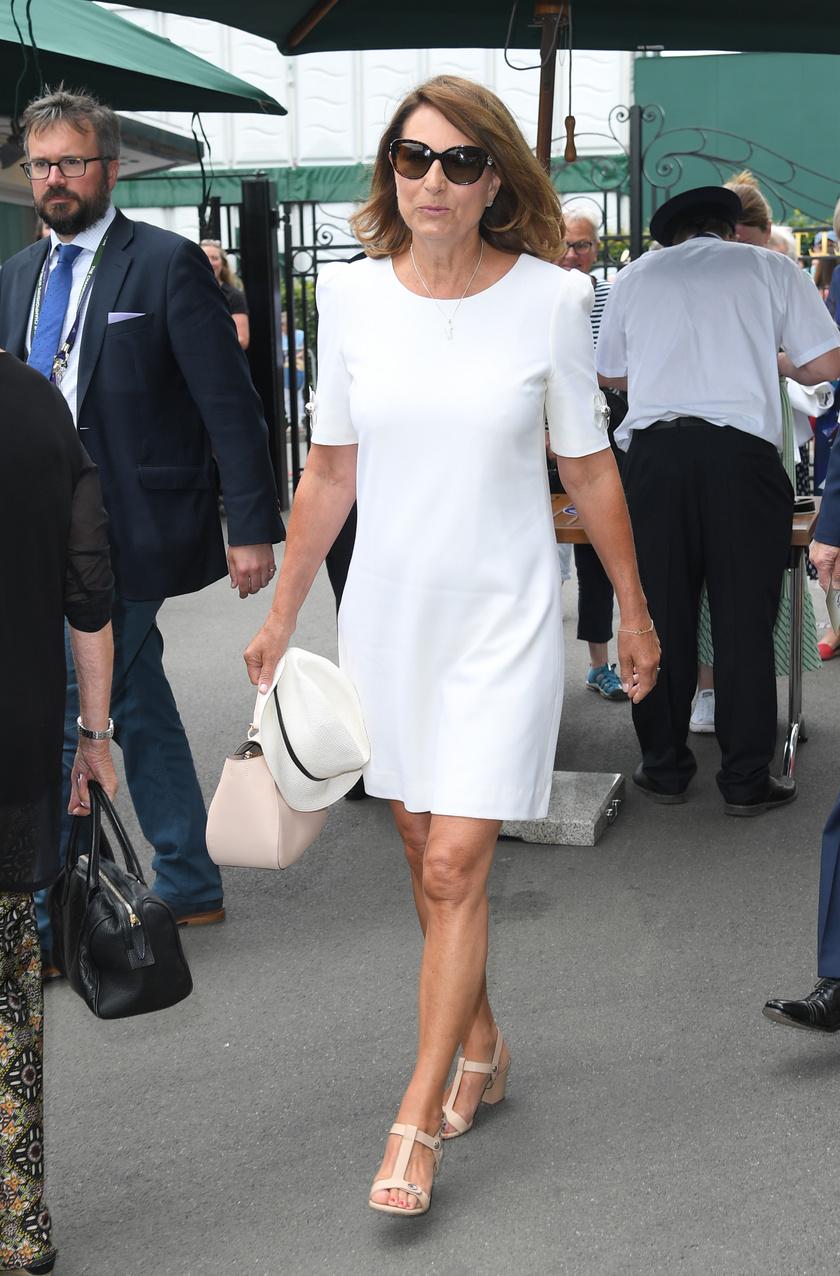 Szinte hihetetlen, hogy Carole Middleton már 64 éves - jó néhány évvel fiatalabbnak néznénk!