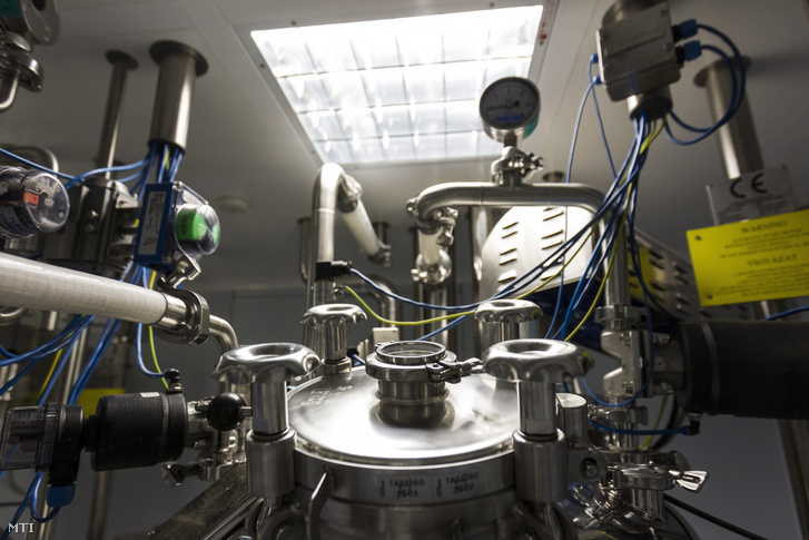 Folyamat tartály az olasz Kedrion Biopharma (Kedrion) gyógyszeripari cégcsoport magyar leányvállalata a Human Bioplazma Kft. gödöllői gyárában 2016. június 2-án.