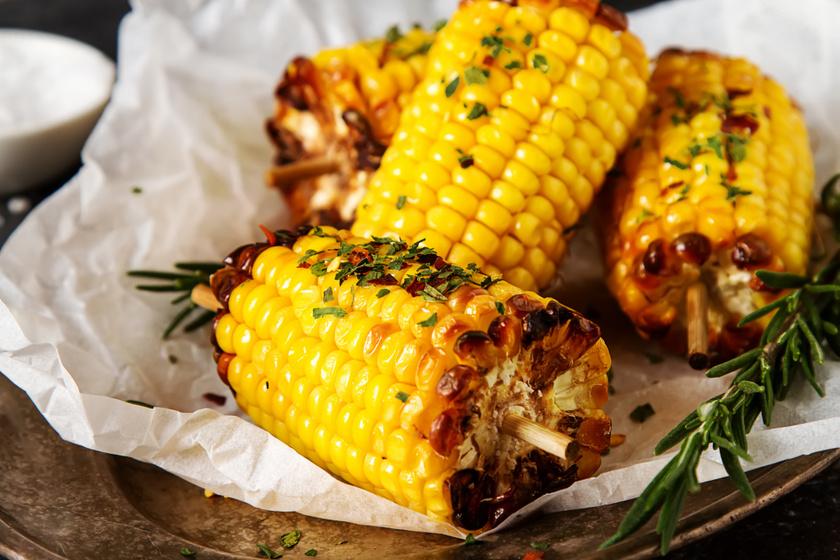 Sült, fűszervajas kukorica: így lesz legfinomabb a nyári csemege