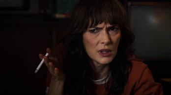 Füstölögnek a dohányzásellenesek a Stranger Things cigarettázó szereplői miatt