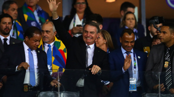 A brazil elnök testőrei zavarták a videóbírót a brazil-argentinon?