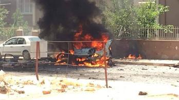 Felrobbant egy gépkocsi Dél-Törökországban, két halott