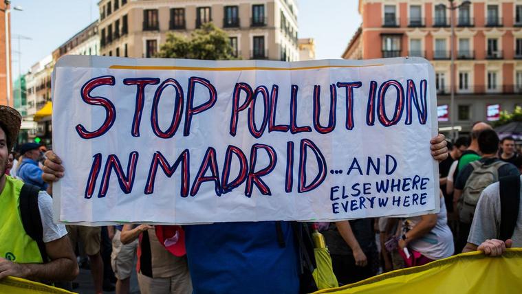 Óriási cirkusz van abból Madridban, hogy kitiltották a kocsikat