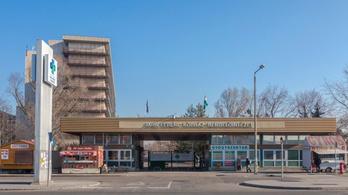 Leugrott a Jahn Ferenc Dél-pesti Kórházban második emeletéről egy beteg, azonnal meghalt