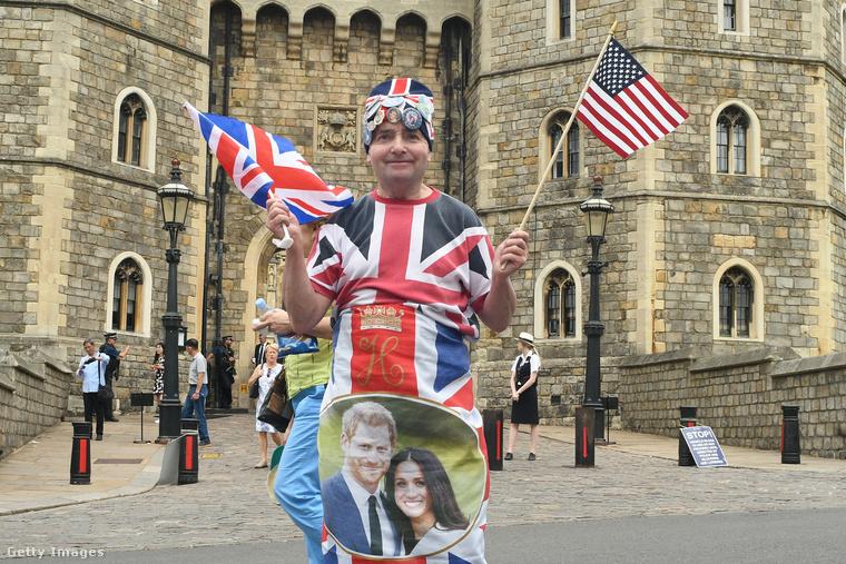 És természetesen a keményvonalas hercegrajongók be is öltöztek hazafiasba.