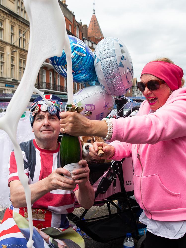 De előkerült az alkohol is, hiszen Nagy-Britanniában vagyunk!