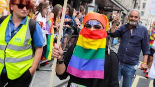 Muzulmánok és rendőrök is szivárványba öltöztek a londoni pride-on