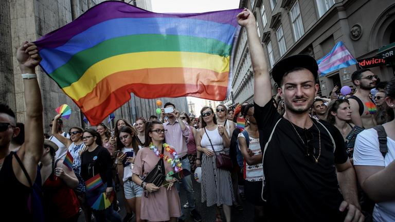 A Pride felvonulói megüzenték a kormánynak, hogy nem hajlandók félni