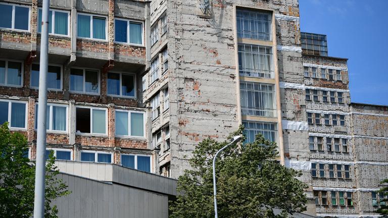 Beütött a klímakatasztrófa a budapesti kórházakban