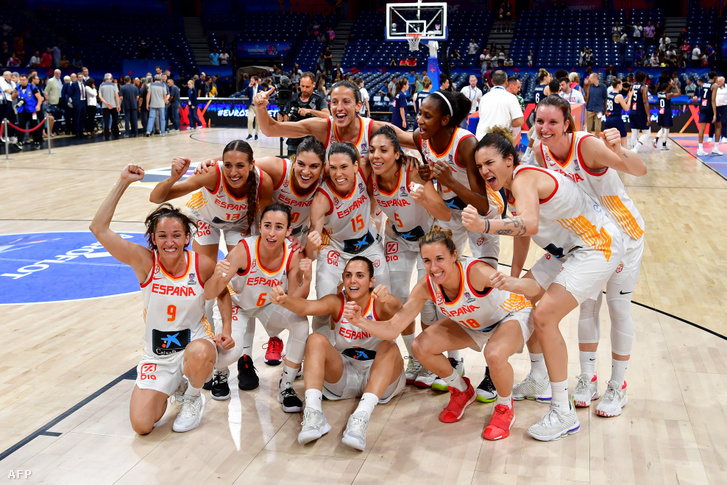 Spanyolország ünnepli a nő kosárlabda-Európa-bajnoki címet